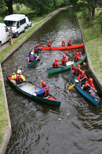 Group on the Canal, Llangollen